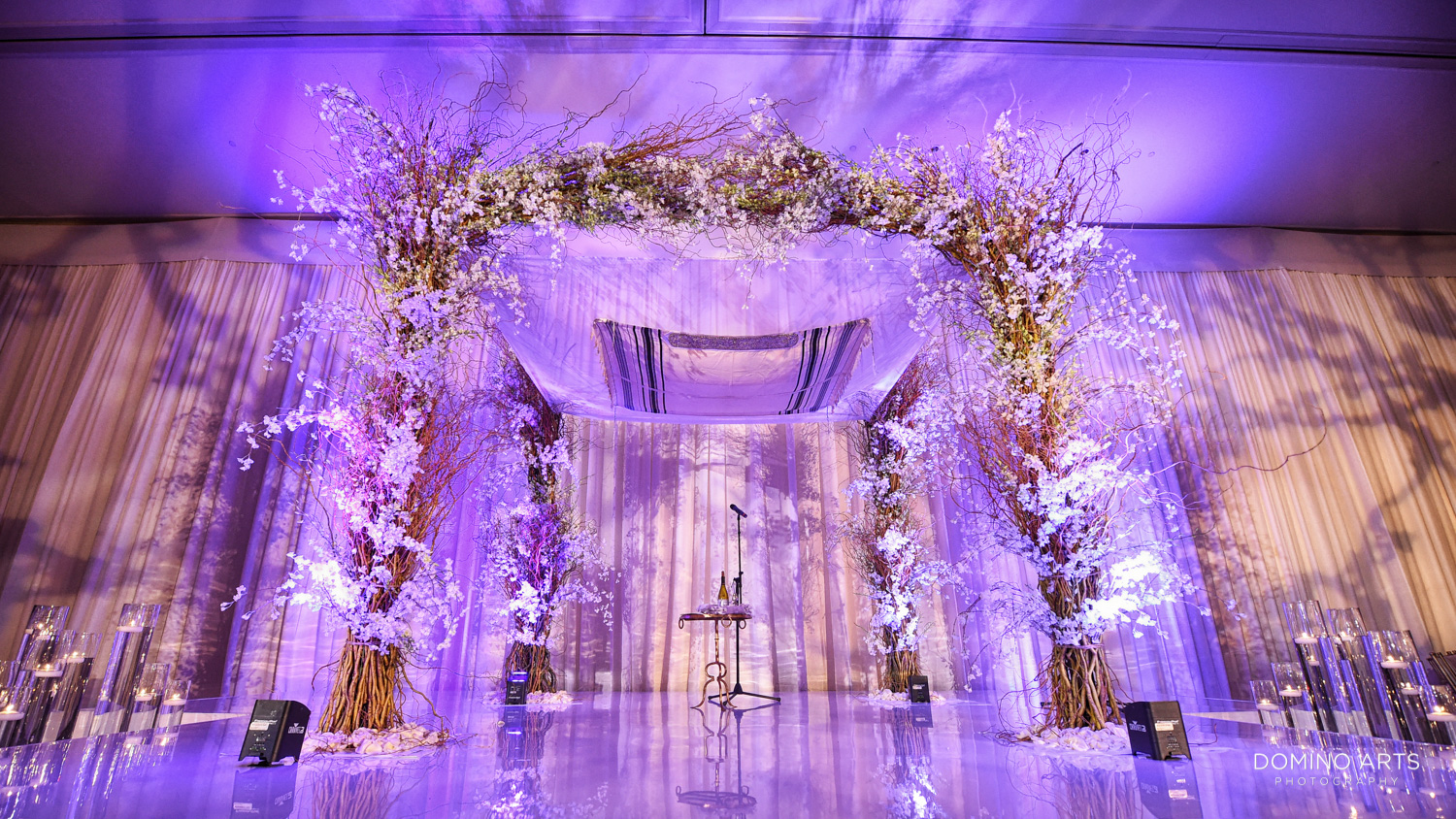 Chuppah Modern Jewish wedding pictures at Trump national Doral in South Florida