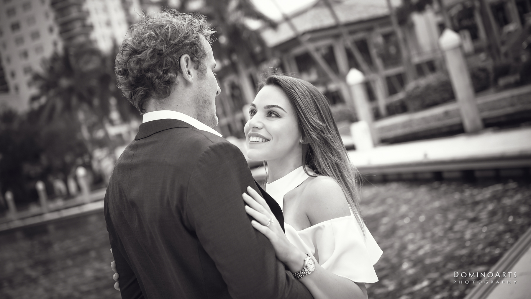fun natural spontaneous engagement pictures Riverfront Fort Lauderdale