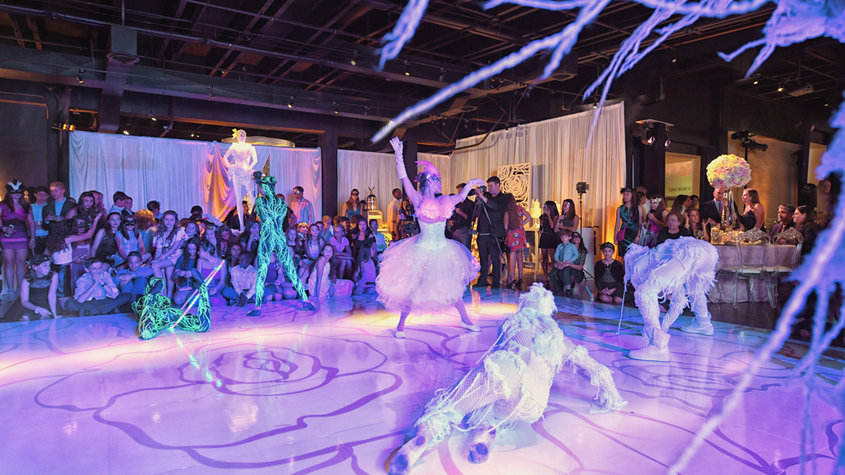 Cirque du soleil best entertainment at quince mitzvah at gallery of amazing things