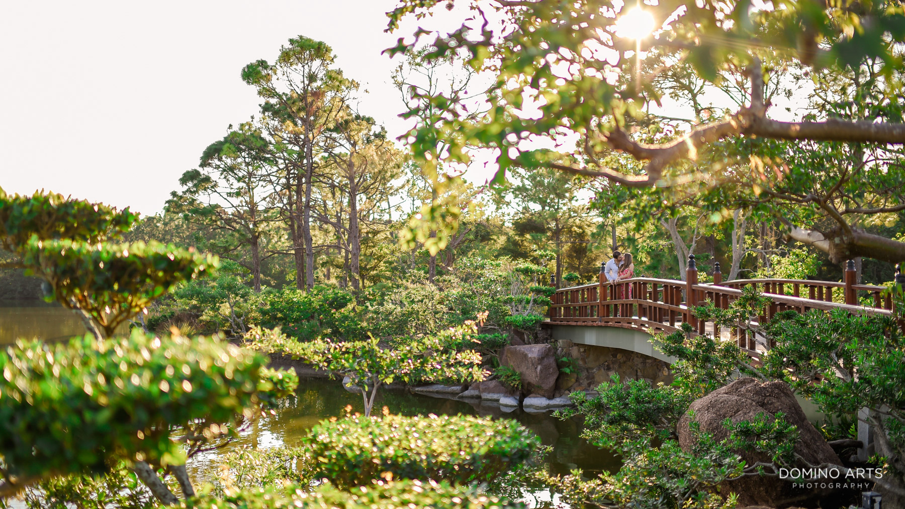 Classic romantic outdoor picture at Morikami engagement