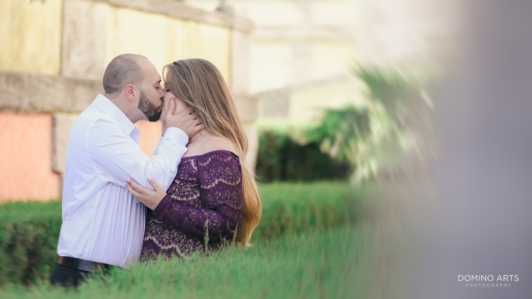 Romantic pictures at Vizcaya Museum and Gardens Miami Engagement