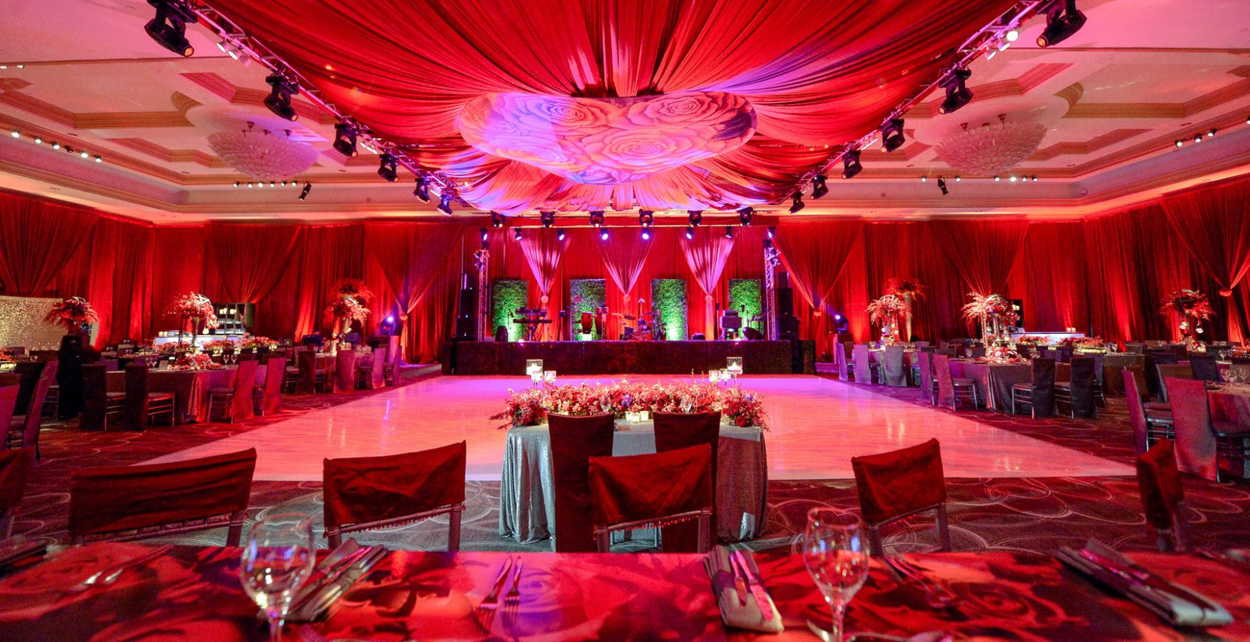 Luxury boutique wedding décor in red