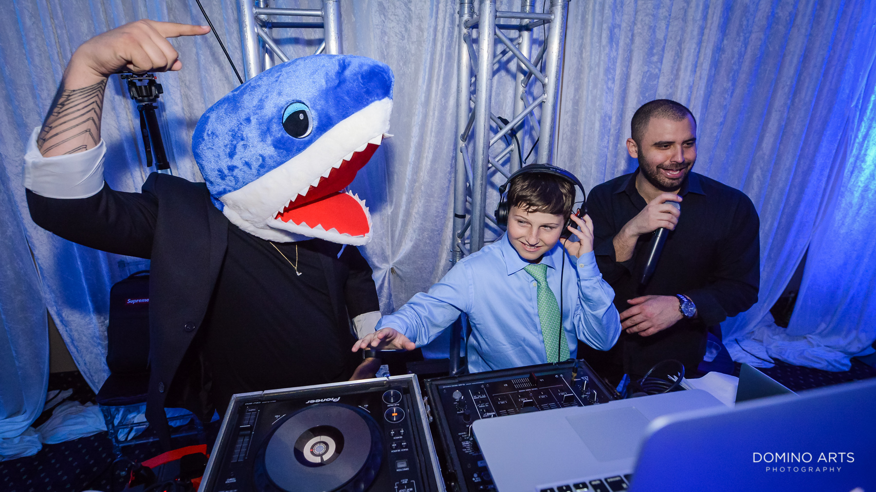 sharks and entertainment at temple beth el mitzvah