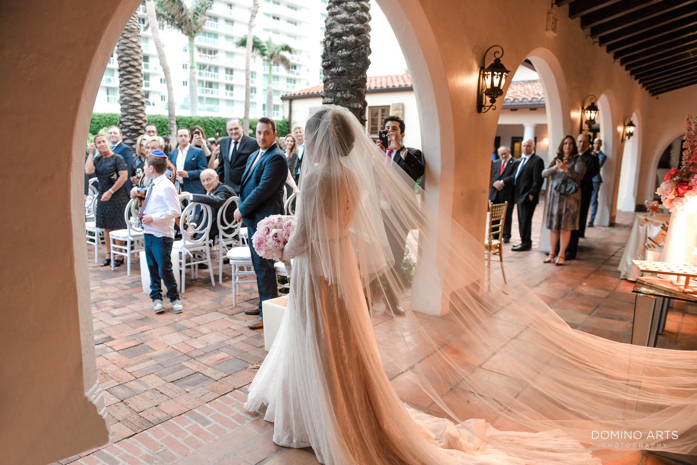 Wedding ceremony photography at The Bath Club, Miami