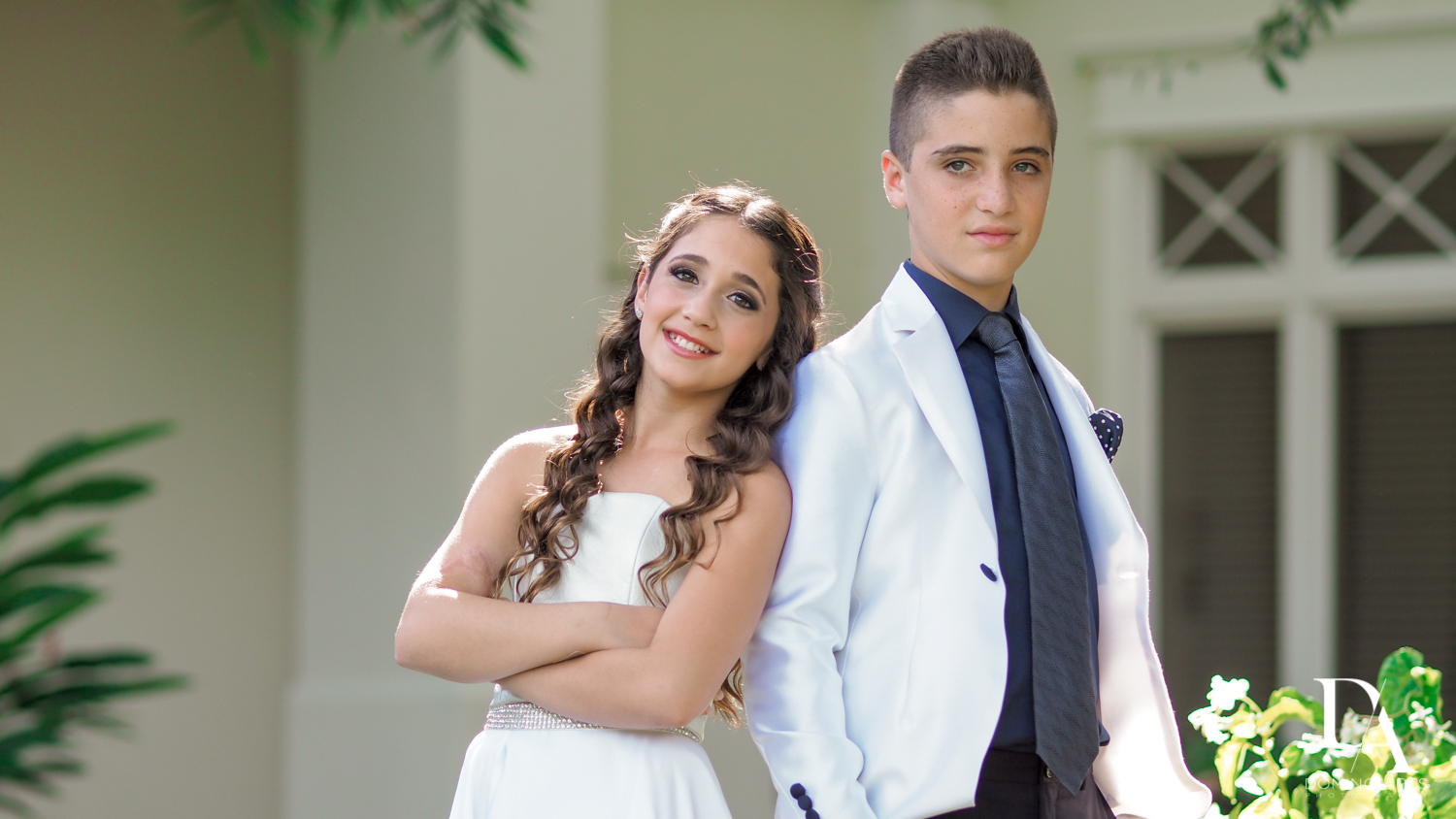 kids portrait at Luxury B'Nai Mitzvah at Woodfield Country Club by Domino Arts Photography
