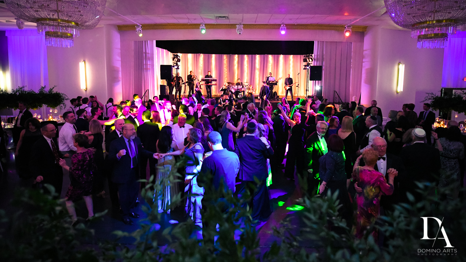 party photos at Classic Miami Beach Wedding at Temple Emanu-El and Emanuel Luxury Venue by Domino Arts Photography