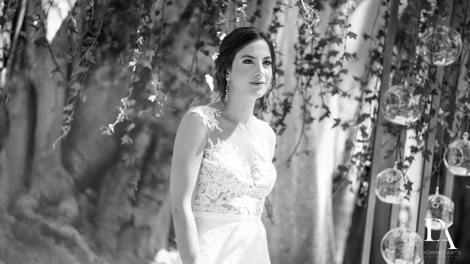 B&W pictures at Tropical Garden Wedding at Fisher Island Miami by Domino Arts Photography