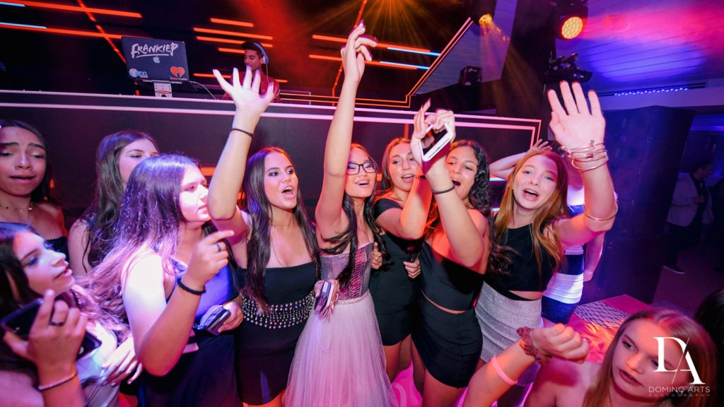 party pictures at LUXURY BAT MITZVAH FEATURING ZEDD AT ST ANDREWS COUNTRY CLUB BY DOMINO ARTS PHOTOGRAPHY
