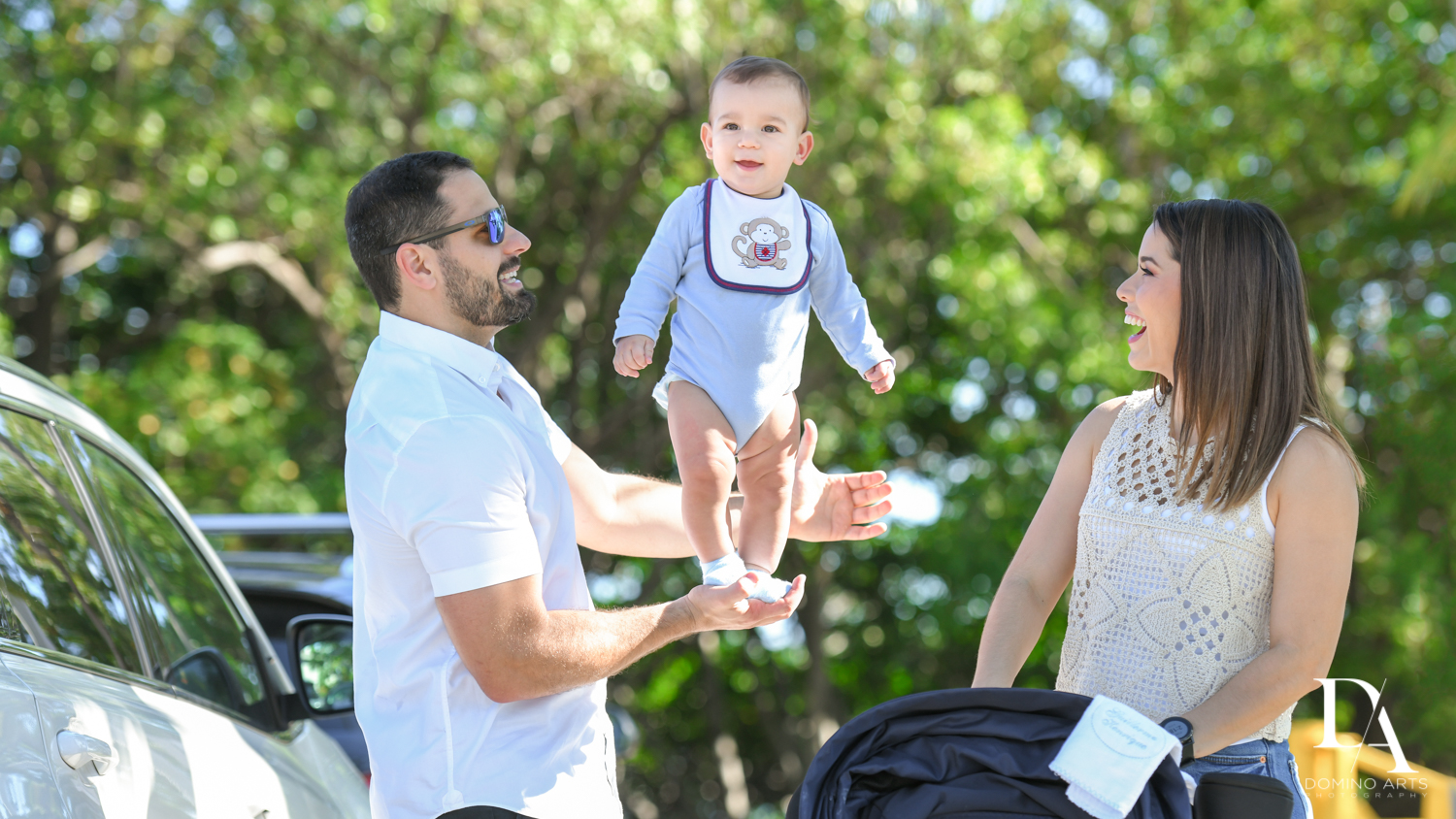 FUN BABY PICTURES AT Urban baby Photo Session in Coral Gables by Domino Arts Photography