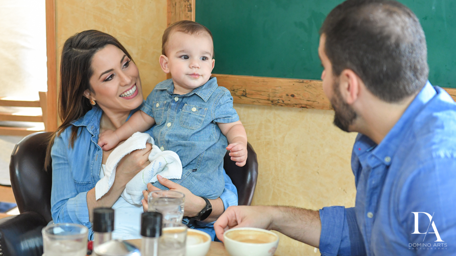 baby at restaurant for Urban baby Photo Session in Coral Gables by Domino Arts Photography