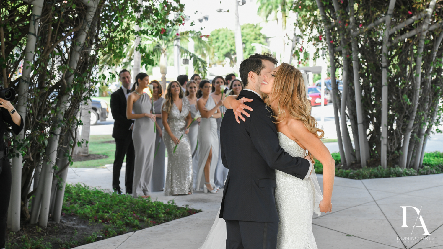 first look at Tropical Luxury Wedding at Temple Emmanu-El in Miami Beach