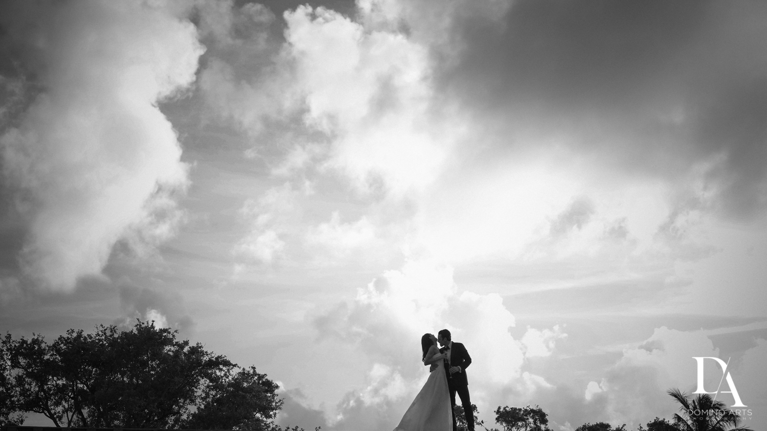 elegant B&W images from Stunning Golf Course Wedding at PGA National Palm Beach by Domino Arts Photography