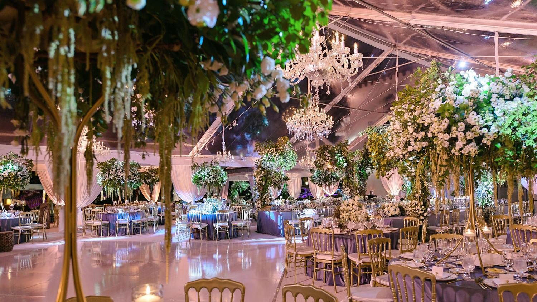 luxury wedding decor by Domino Arts Photography
